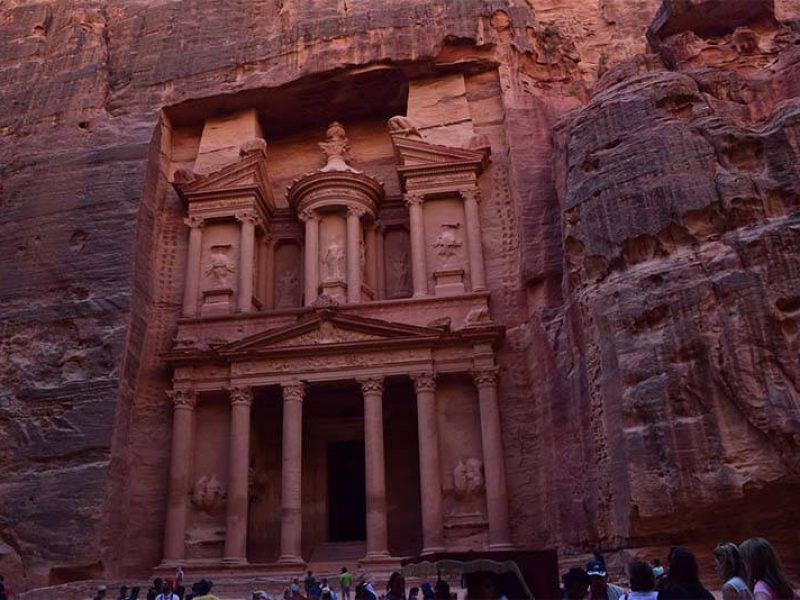 رحلات اليوم الواحد الى (البتراء / وادي رم) رحلة لورنس العرب